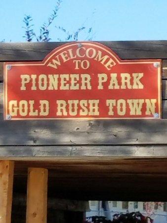 Pioneer Park: 20160904_154515_large.jpg