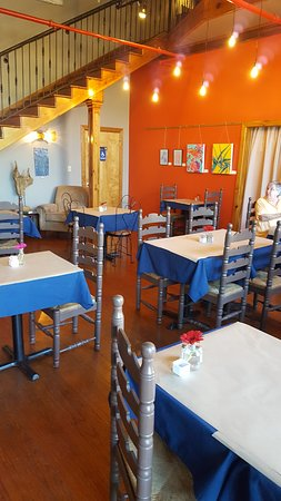 The Depot Coffee House & Bistro: Pic of the dining room at THE DEPOT