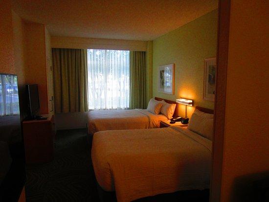 SpringHill Suites Orlando Lake Buena Vista in Marriott Village: Very small room