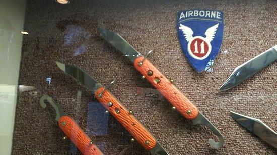 photo0 jpg インターコース american military edged weaponry museum