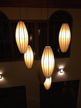 Clove Villa: Beautiful lighting in entrance