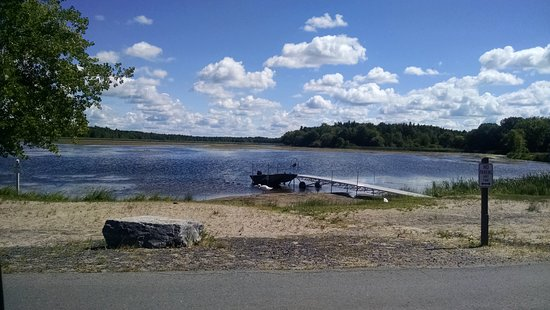 Fair Haven, estado de Nueva York: fishing pond near boat rentals