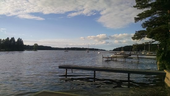 Fair Haven, NY: near town bar, slips for boaters