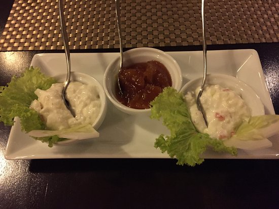 Clove Villa: Dinner condiments