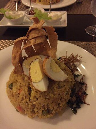 كلوف فيلا: Delicious dinner.