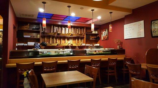 Aji Sushi Bar: Beautiful interior