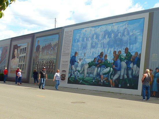 Portsmouth, OH: More murals.