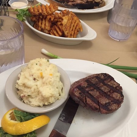 Crivitz, WI: The Woods Supper Club