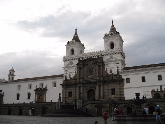 Plaza de San Francisco: La Iglesia de San Francisco