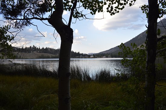 June Lake, Californië: View from the South side