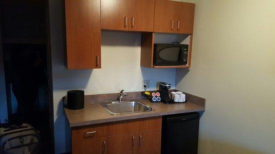 Service Plus Inns & Suites Calgary: 20160903_202200_large.jpg