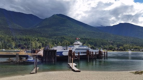 ‪Kootenay Lake Ferry‬