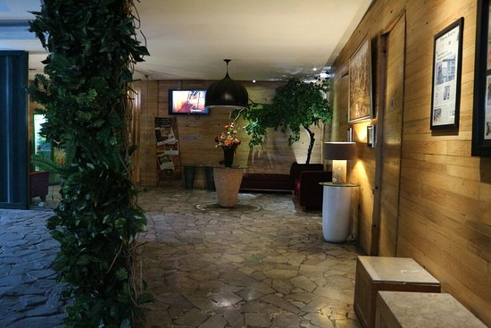 362676d7564831 Sandal Hotel - Picture of Chara Hotel