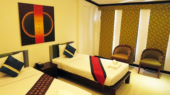Queen Boutique Hotel: Deluxe Twin Bedroom
