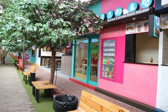 Hasil gambar untuk chingu cafe bandung