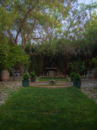 Cottage La Venteta: wunderschöner Garten um das Hotel