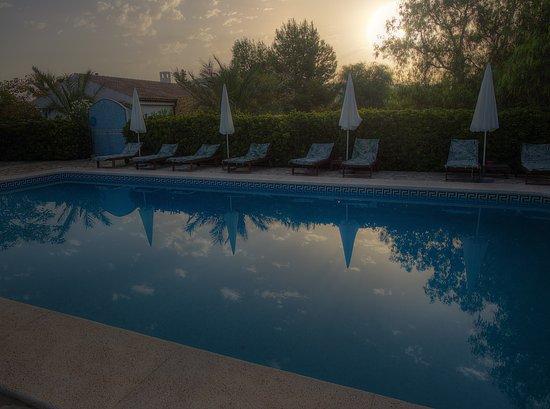 Cottage La Venteta: Sonnenaufgang am Pool