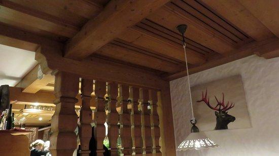 houten plafond - picture of restaurant kupferpfanne, reit im winkl