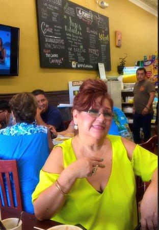 Passaic, Нью-Джерси: Ricos desayunos Peruanos