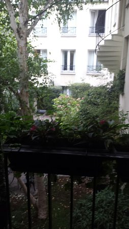 BEST WESTERN  Le Patio Saint Antoine: TA_IMG_20160906_085155_large.jpg