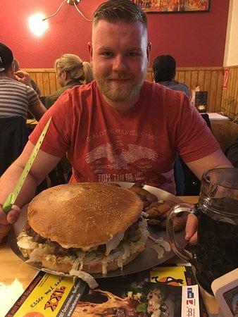 Oschersleben, ألمانيا: XXL Burger