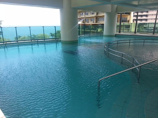 Baywatch Tower Manila: Indoor pool