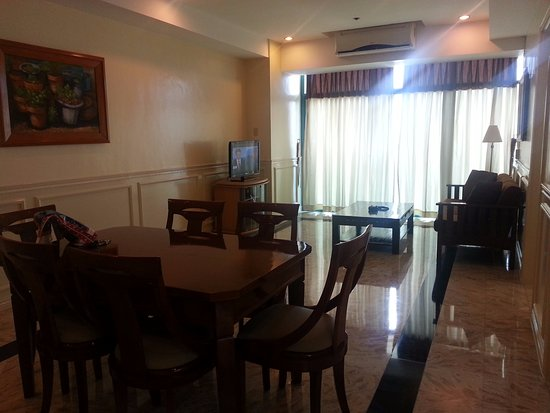 Baywatch Tower Manila: very substantial dining and living room