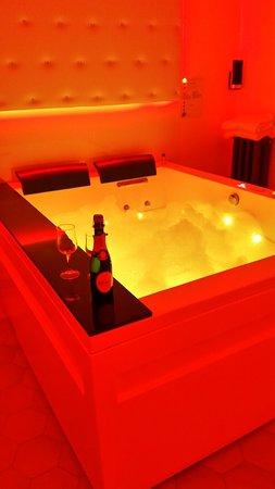 Turrivalignani, Italy: Sala idromassaggio suite dolce vita