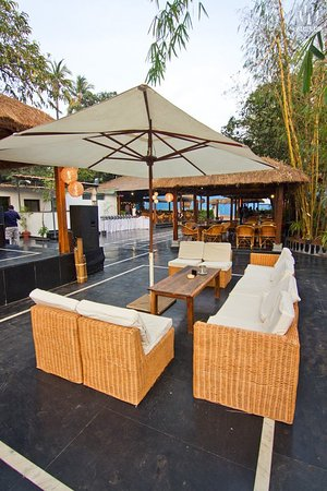 Zorba   The Beer Garden: Lounge