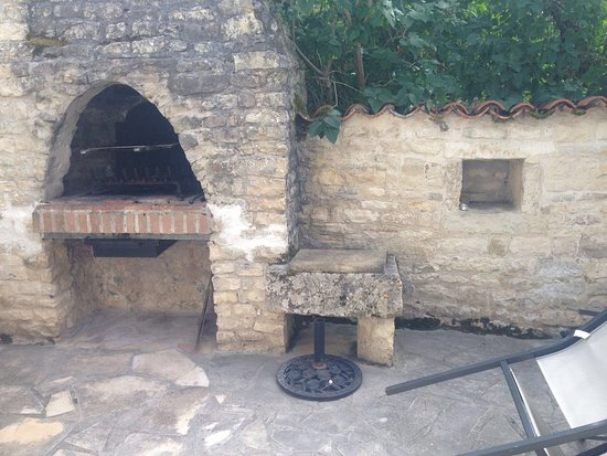 Louzignac, France : Our private terrace and BBQ