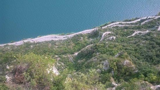 Veduta dalla terrazza - Picture of Terrazza del Brivido, Tremosine ...