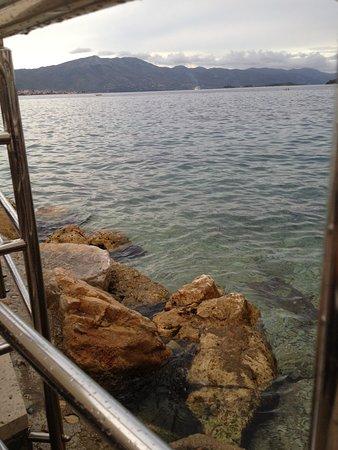 Dugi Rat, Croácia: mooi uitzicht vanaf je tafeltje