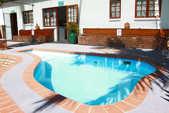 The Garden Lodge Guest House : Pool area