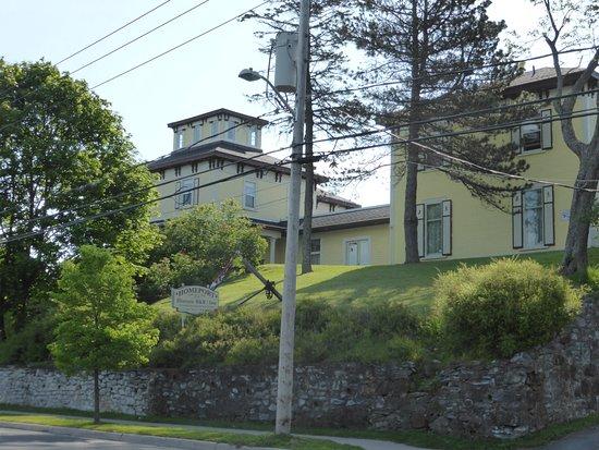 Homeport Historic B&B / Inn c 1858 : Aussenansicht von der Straße aus