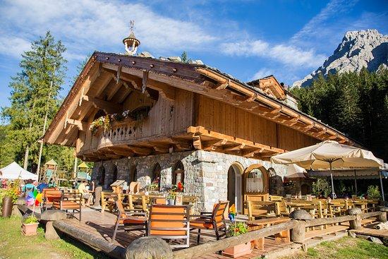 Paradiso e relax recensioni su la baita sappada for Baita di legno