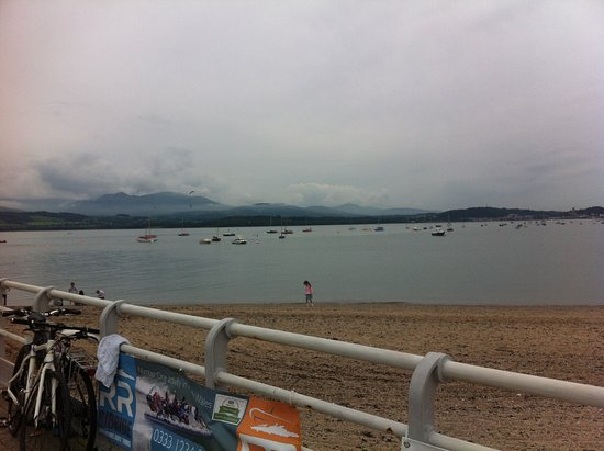 Beaumaris Pier: A paddle in the sea
