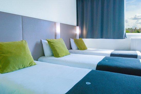 Campanile Creteil Centre : Chambre triple 3 lits individuels