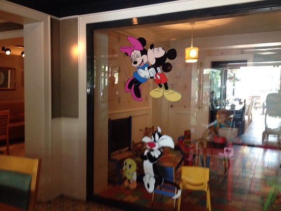 Kosebası Cadde: Good restaurant, but nothing special, good for children because of playing room ( a big plus for