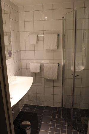 Comfort Hotel Xpress Youngstorget: Sehr schönes Bad!