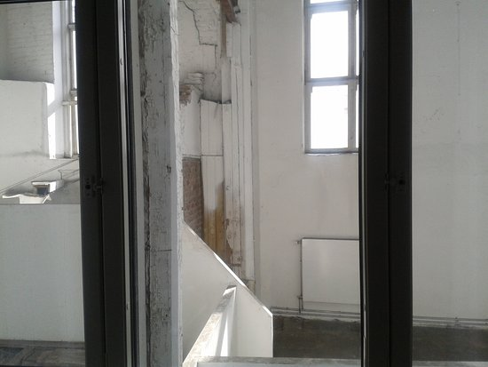 Comfort Hotel Xpress Youngstorget: Kein Scherz! Blick direkt IN ein Abbruchhaus.