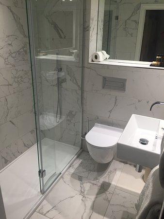 Merveilleux Cotswold Grange Hotel: Luxury Shower Room