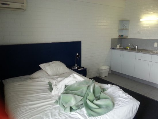 Adina Place City View Apartments : nice comforatble clean bed