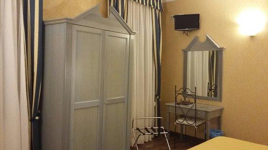 Hotel Tintoretto: 20160823_122259_large.jpg