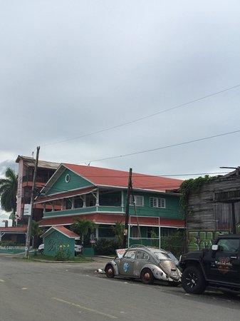 Gran Hotel Bahia: Vue depuis la rue