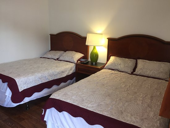 Milford, NY: Smaller Double Bed Room