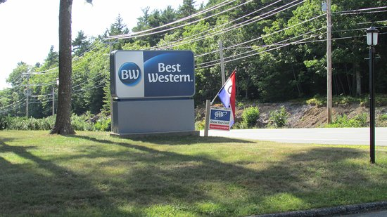 BEST WESTERN Acadia Park Inn: Our new sign! Best western logo change!!