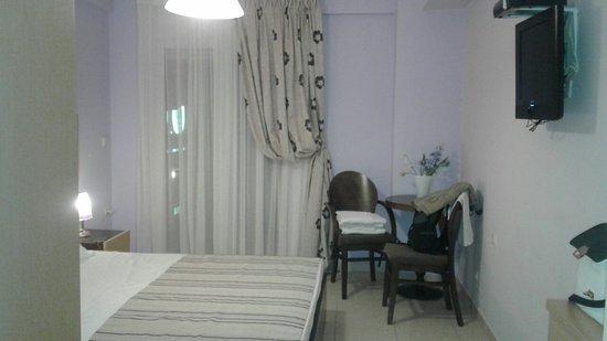 Phoenix Studios Hotel - room photo 15999456