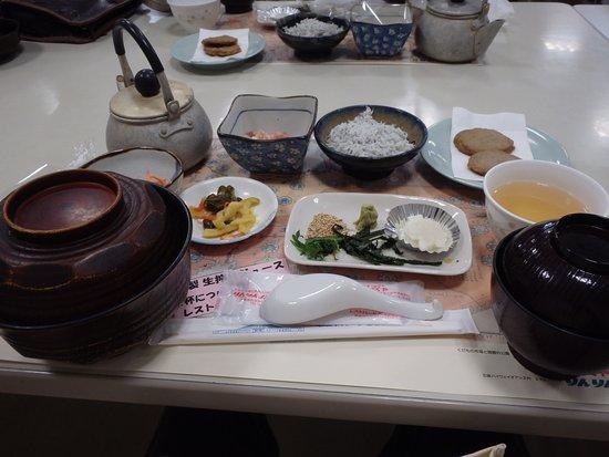 Resto Park Rinrin : 昼食内容、嗜好的には嫌いな内容でした