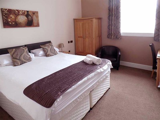 Grammar Lodge Guesthouse: This is one of the larger rooms, well-equipped and spacious