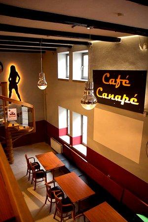 Studentenkneipe Café Canapé